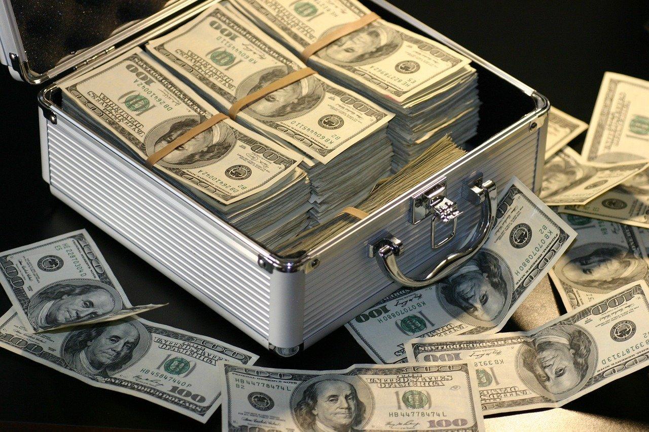 Banque en ligne et banque classique: laquelle choisir?
